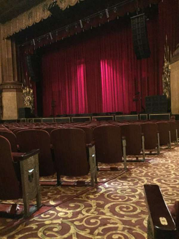 Beacon Theatre, secção: Orch 4, fila: N, lugar: 30