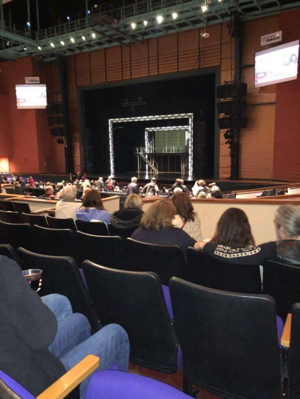 Toyota Oakdale Theatre, secção: 203, fila: JJ, lugar: 10