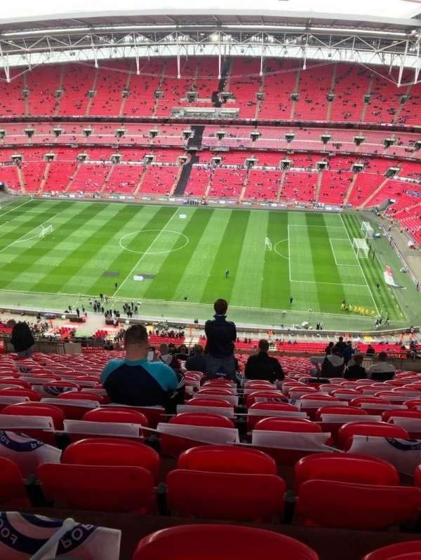 Wembley Stadium, secção: 550, fila: 32, lugar: 330