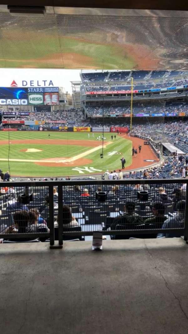 Yankee Stadium, secção: 121A, fila: 17S, lugar: 8-9