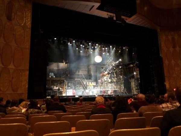 Fisher Theatre, secção: MNLT, fila: N, lugar: 13