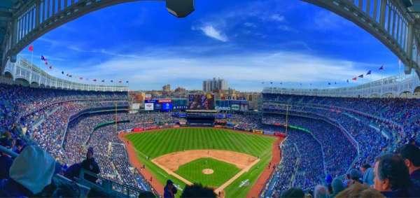 Yankee Stadium, secção: 420b, fila: 9, lugar: 28