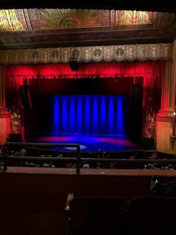 Beacon Theatre, secção: Loge 2, fila: C, lugar: 2