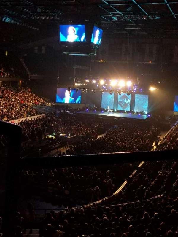 Allstate Arena, secção: 213, fila: B, lugar: 1