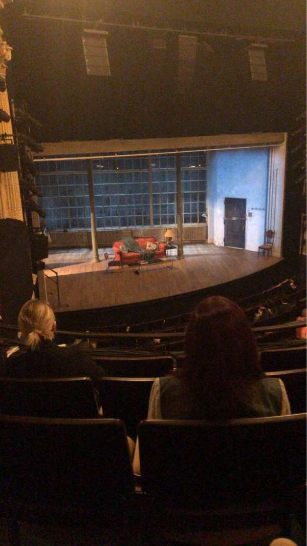 Hudson Theatre, secção: Dress Circle L, fila: E, lugar: 13