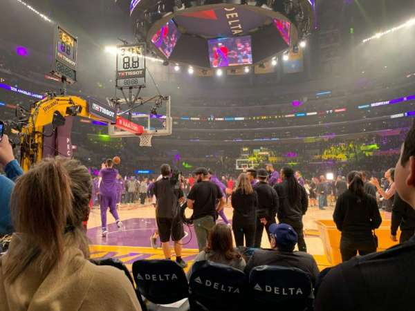 Staples Center, secção: 115, fila: B, lugar: 4