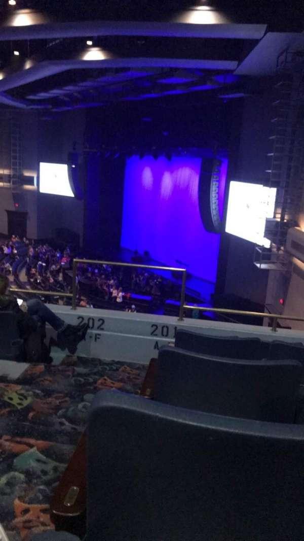 Rosemont Theatre, secção: 201, fila: E, lugar: 1