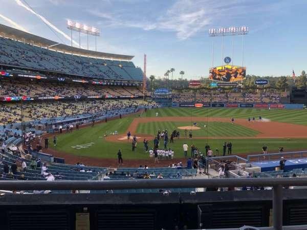 Dodger Stadium, secção: 120 Lg, fila: B, lugar: 1-2