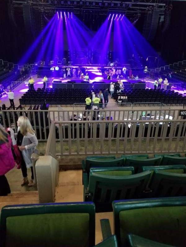 BancorpSouth Arena, secção: 211, fila: 4, lugar: 14