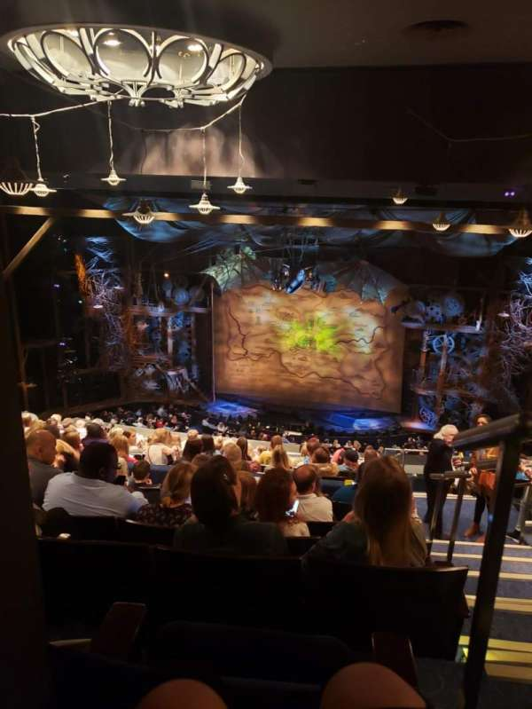 Gershwin Theatre, secção: Rear Mezzanine, fila: L, lugar: 116