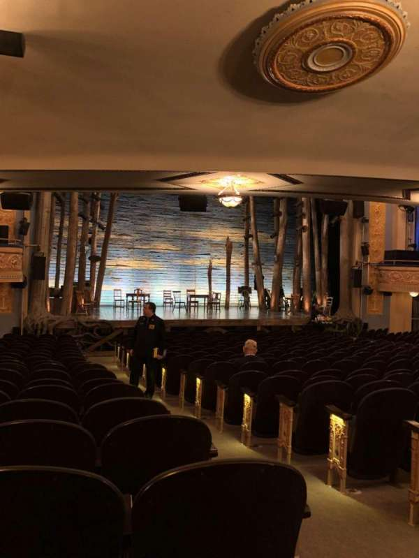 Gerald Schoenfeld Theatre, secção: Orchestra L, fila: S, lugar: 3