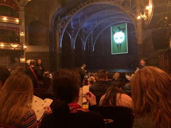 Lyric Theatre, secção: Orchestra R, fila: O, lugar: 34