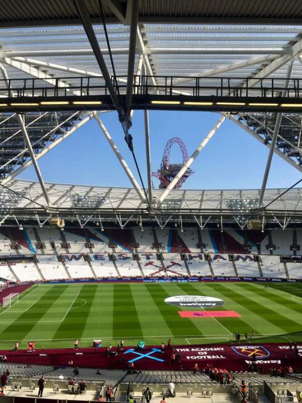 London Stadium, secção: 206, fila: 57, lugar: 483