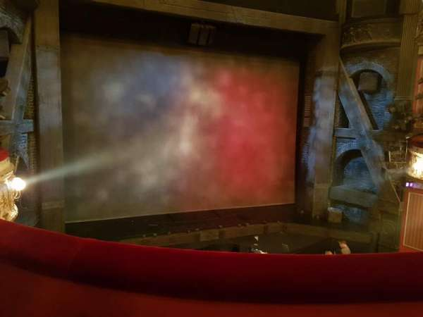 Queen's Theatre, secção: Dress Circle, fila: B, lugar: 22