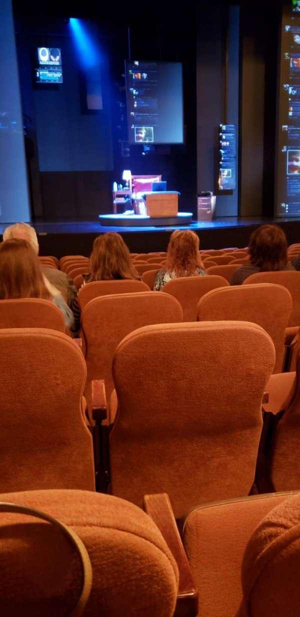 Music Box Theatre, secção: Orchestra C, fila: M, lugar: 111