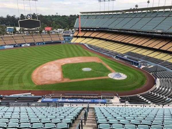 Dodger Stadium, secção: 15RS, fila: S, lugar: 6