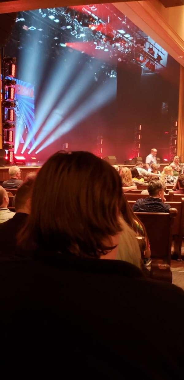 Ryman Auditorium, secção: MF-8, fila: P, lugar: 8