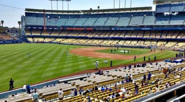 Dodger Stadium, secção: 157LG, fila: C, lugar: 7