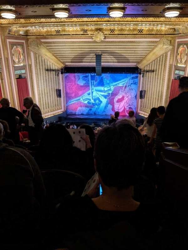 Lyric Opera House, secção: First Balcony, fila: L, lugar: 7