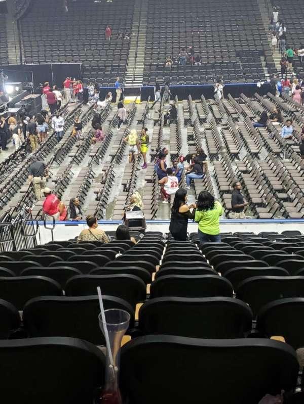 Vystar Veterans Memorial Arena , secção: 115, fila: R, lugar: 13