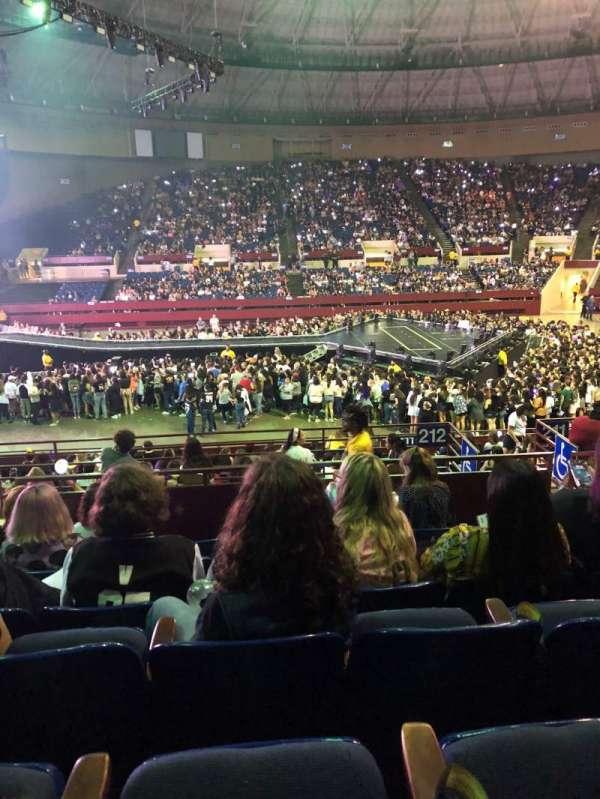 Fort Worth Convention Center, secção: 317, fila: F, lugar: 6