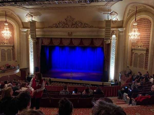 Genesee Theatre, secção: Mezzanine Center, fila: M, lugar: 201