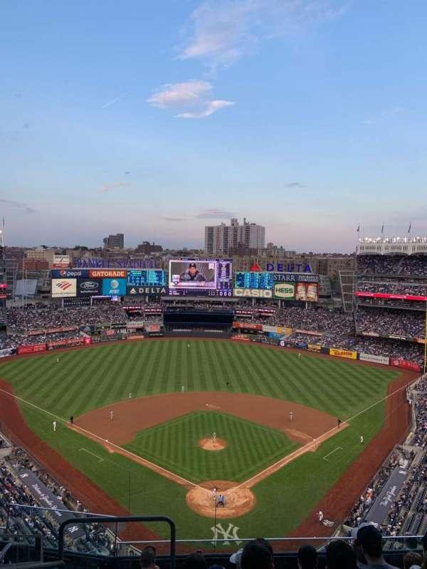 Yankee Stadium, secção: 420b, fila: 7, lugar: 27
