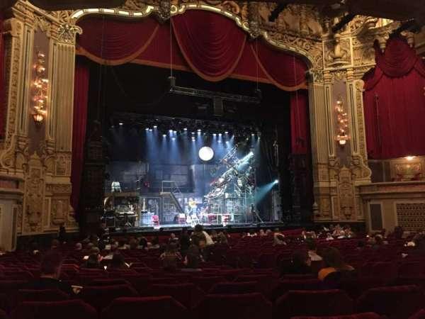 Nederlander Theatre (Chicago), secção: Orchestra L, fila: W, lugar: 13