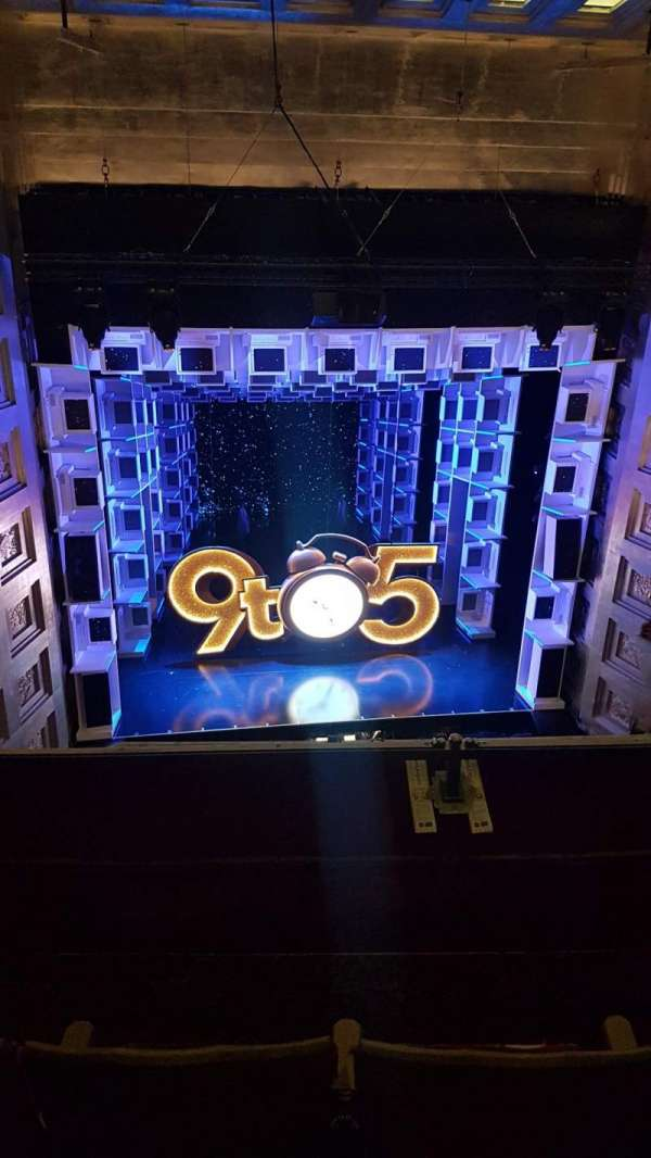 Savoy Theatre, secção: Grand circle, fila: C, lugar: 17