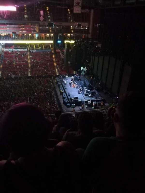Wells Fargo Arena, secção: 303, fila: E, lugar: 14