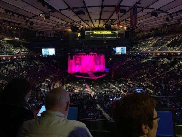 Madison Square Garden, secção: 203, fila: 2, lugar: 7