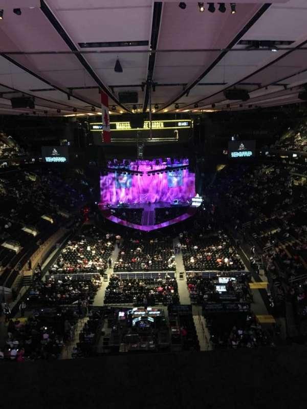 Madison Square Garden, secção: 305, fila: 1, lugar: 10