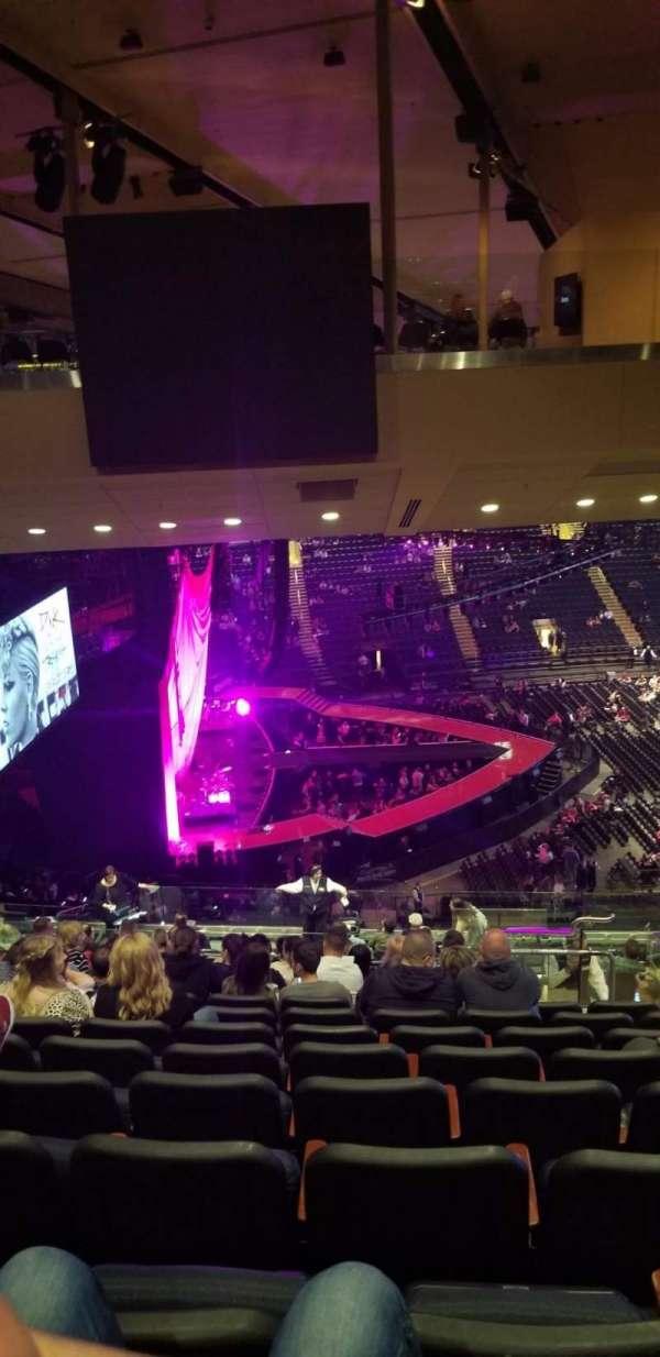 Madison Square Garden, secção: 222, fila: 20, lugar: 19