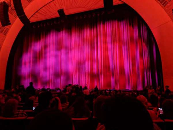 Radio City Music Hall, secção: Orchestra 3, fila: QQ, lugar: 304