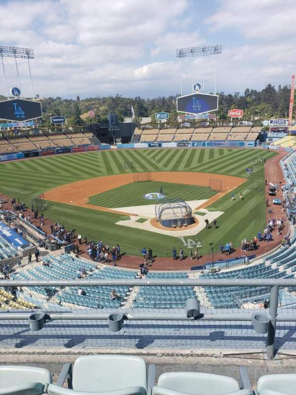 Dodger Stadium, secção: 3RS, fila: 3, lugar: 17