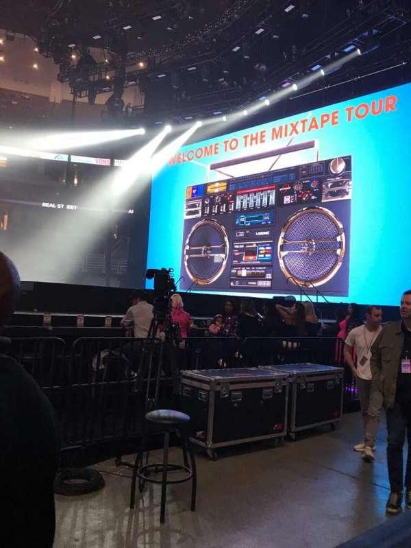 Honda Center, secção: 222, fila: A, lugar: 11