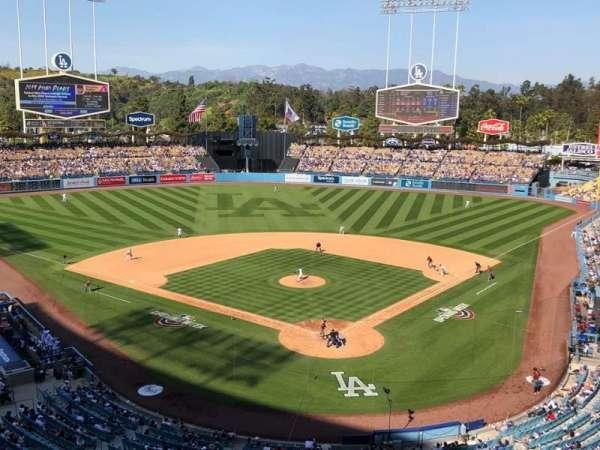 Dodger Stadium, secção: 3RS, fila: C, lugar: 11