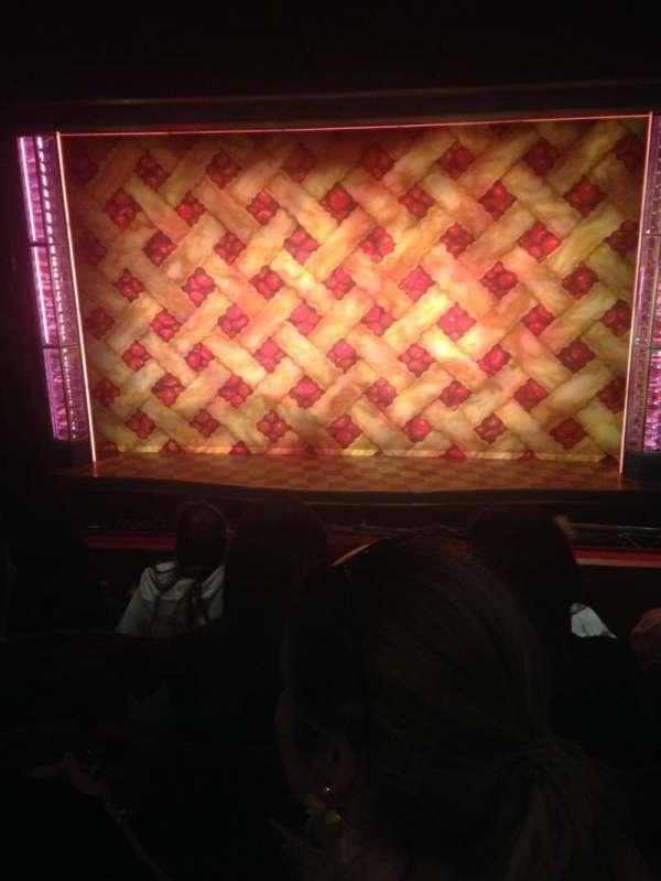 Adelphi Theatre, secção: Dress Circle, fila: D, lugar: 16