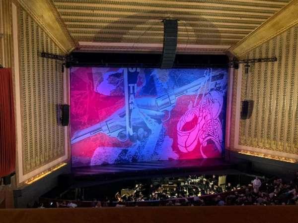 Lyric Opera House, secção: Dress Circle, fila: A, lugar: 22