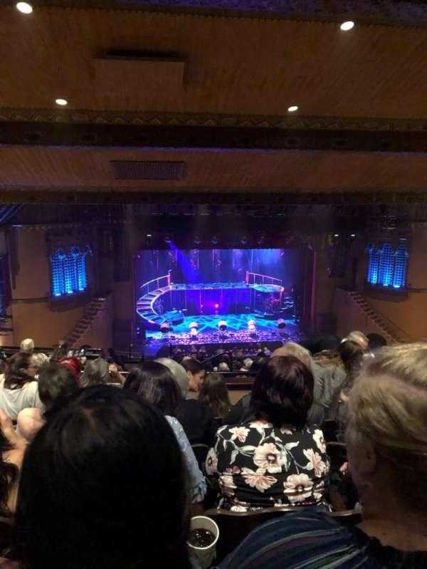 Fox Performing Arts Center, secção: Center Mezzanine, fila: NN, lugar: 126