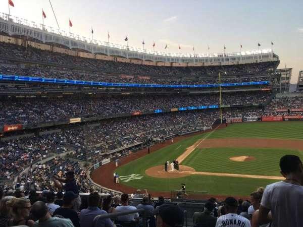 Yankee Stadium, secção: 216, fila: 12