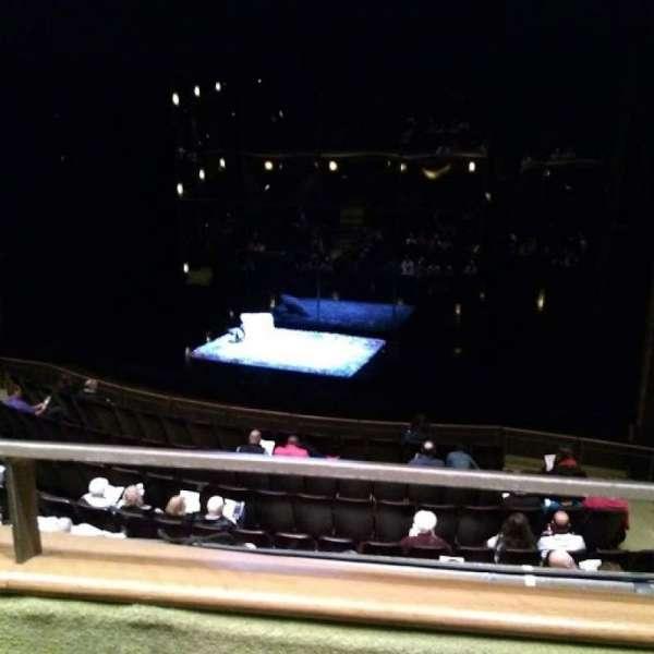 Goodman Theatre - Albert Theatre, secção: Aisle 5, fila: AA, lugar: 9