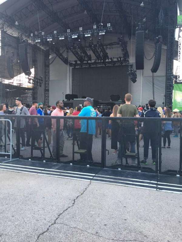 Huntington Bank Pavilion at Northerly Island, secção: 203, fila: B, lugar: 3