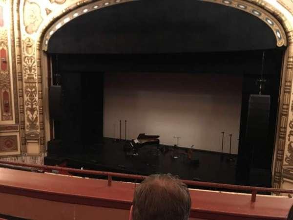 Cadillac Palace Theater, secção: Loge R, fila: C, lugar: 327