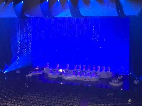 Park Theater at Park MGM, secção: 403, fila: J, lugar: 13-14