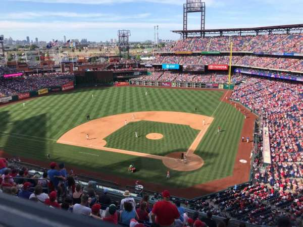 Citizens Bank Park, secção: 423, fila: 1, lugar: 5