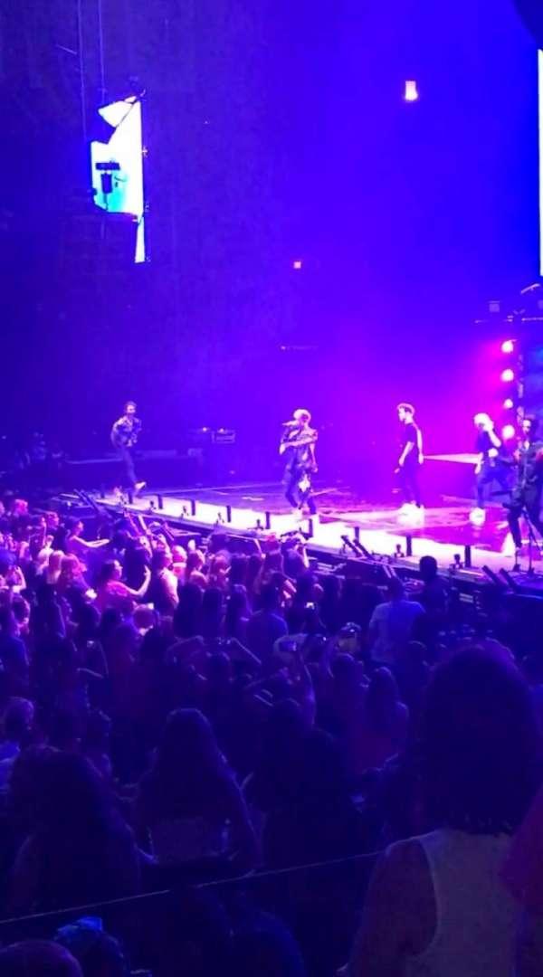 Allstate Arena, secção: 110, fila: G, lugar: 23
