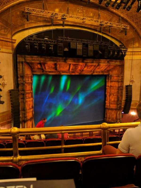 St. James Theatre, secção: Mezzanine L, fila: L, lugar: 13