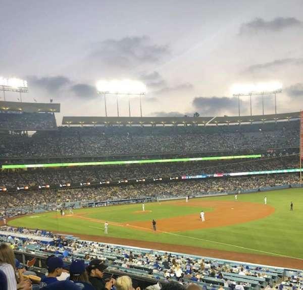Dodger Stadium, secção: 154LG, fila: E, lugar: 4