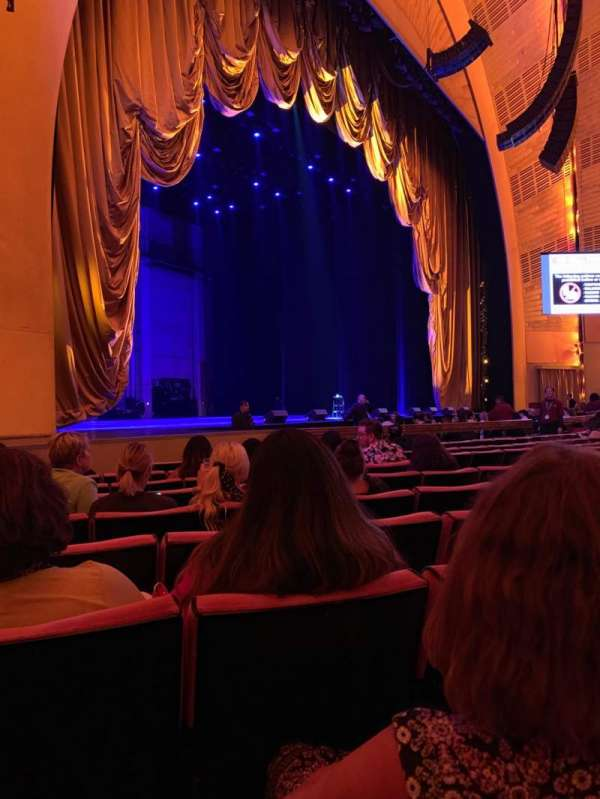 Radio City Music Hall, secção: Orchestra 6, fila: KK , lugar: 612